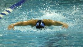 С кой стил плуване се горят най-много калории?
