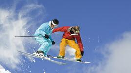 Вечното снежно дерби: ски vs сноуборд