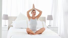 3-минутна сесия по йога. В леглото