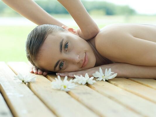 Шведският масаж: спа план за почивните дни