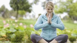 Йога против лошо настроение