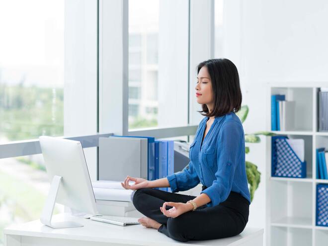 Йога подходяща за обедната почивка