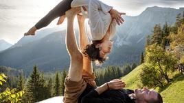 Акройога - съвършенство и красота на движенията