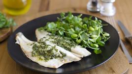 Зеленчуците и рибата намаляват риска от рак