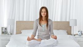 Сутрешна йога за разсънване и отличен старт на деня