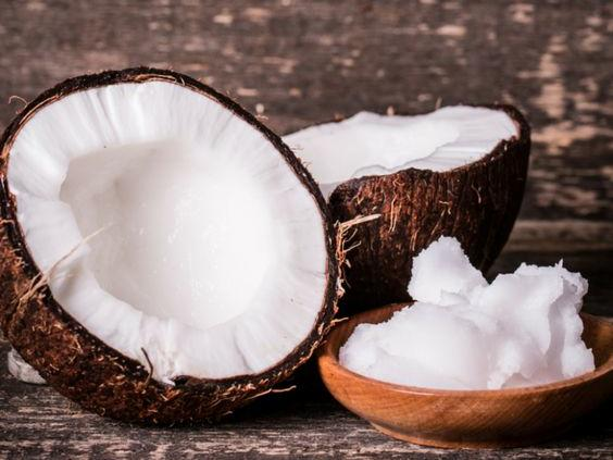 Четири разкрасителни употреби на кокосовото масло