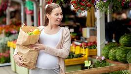 Доктори препоръчват на бременните да консумират повече плодове