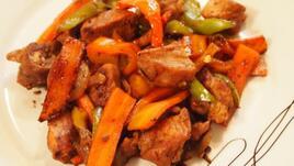 Пилешки жулиени със соев сос,зеленчуци и мед