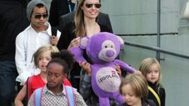 Анджелина Джоли -  горда със своите деца