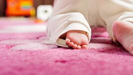 Пълзене като бебе – новата фитнес тенденция за 2017-та
