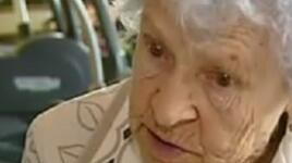 Баба Ани е на 95, денят ѝ започва с фитнес