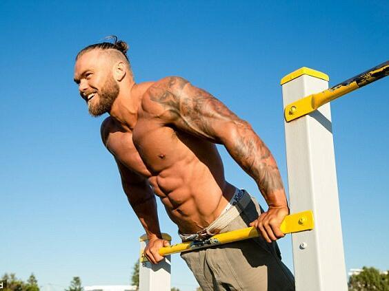Военен треньор споделя как да влезете във форма