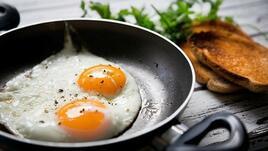 Стимулирайте мозъка с яйца за закуска