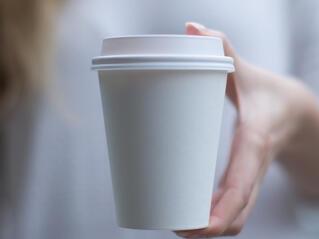 Защо не трябва да пием кафето си в стиропорени чаши