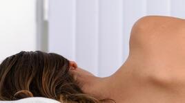 Голо тяло – здраво тяло: 4 причини да спим без дрехи