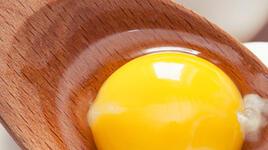 Има ли опасност ако ядете сурови яйца