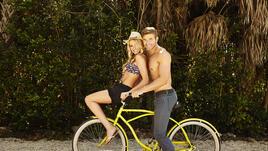 А това са плажните Келън Луц и Катрина Боудън