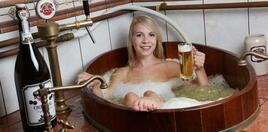 Необичайни спа процедури: вана с бира