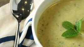 Супа с тиквички и грах