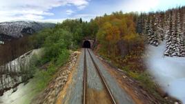Железопътно пътешествие през норвежките сезони