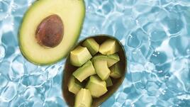 Спа идея под душа: авокадо с мляко