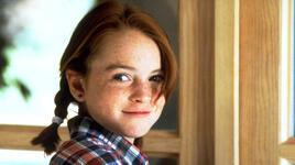 """<p><strong>Линдзи Лоън</strong></p> <p>Тя става известна с участието си в хитовия филм """"Капан за родители"""", който все още се върти от време на време по родните канали. Там Линдзи играе две роли - на близначките Ани и Хали.</p>"""