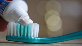 Паста за зъби за домашно
